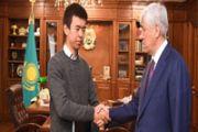 Грант - за героизм     В Алматинской области студент, спасший двух детей во время пожара, получил грант на обучение в вузе