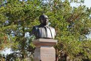 В Алматинской области открыт  памятник Туманбаю Молдагалиеву