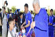 1000 мячей раздали юным игрокам талдыкорганских дворовых футбольных клубов
